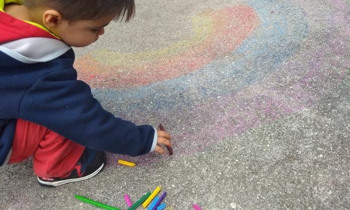 Criar filhos felizes, Deixe-os brincar ao ar livre8