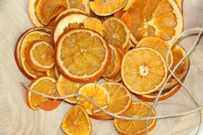 ormaneto com laranjas desidratadas