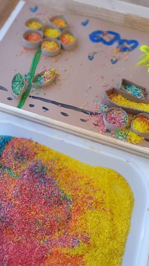 Arte com arroz arco-iris