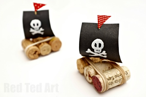 Simple-Cork-Boat-Craft-quick-and-easy-to-make